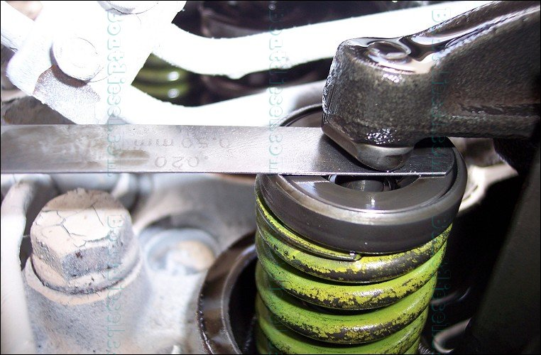 Adjusting Valve Lash on a Cummins 6BTA - Locking After Adjustment