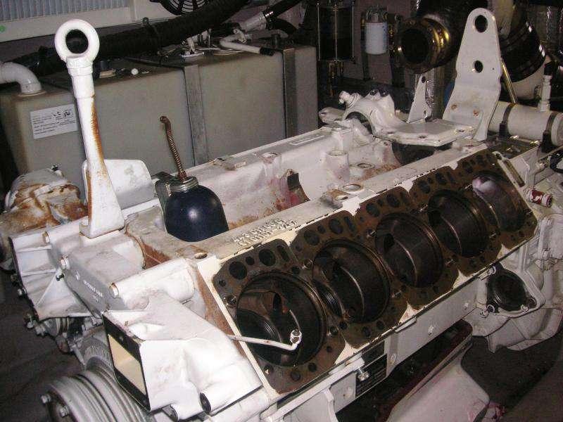 MAN:D28 Series Man D2840 Le403 Oil Cooler Seal Problem